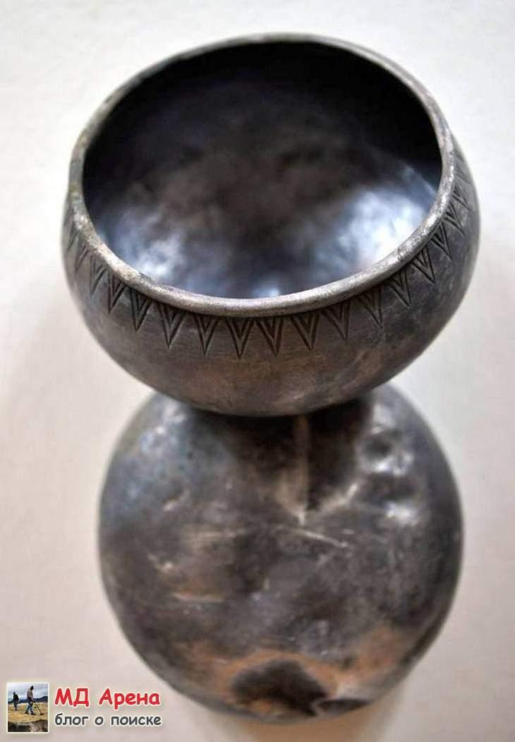 klad-vikingov-kak-arxeologi-vynimayut-naxodki-celymi-08