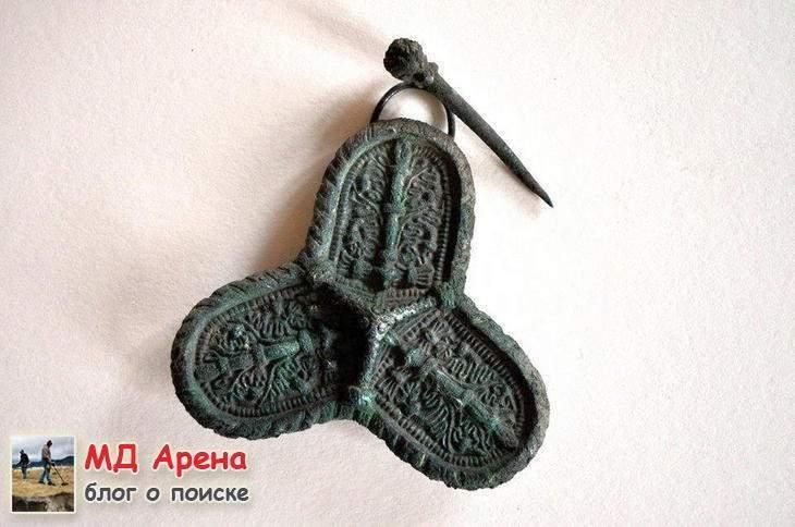 klad-vikingov-kak-arxeologi-vynimayut-naxodki-celymi-09