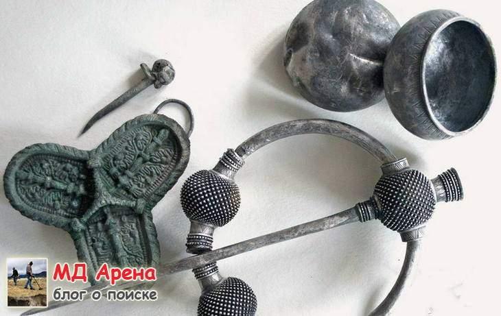 klad-vikingov-kak-arxeologi-vynimayut-naxodki-celymi-11