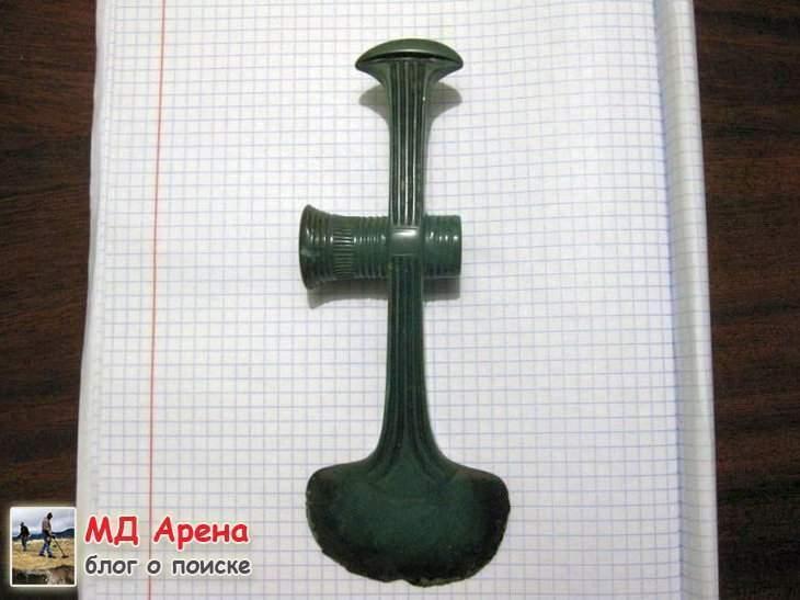 bronzovyj-topor-16-14-vek-do-n-e-01