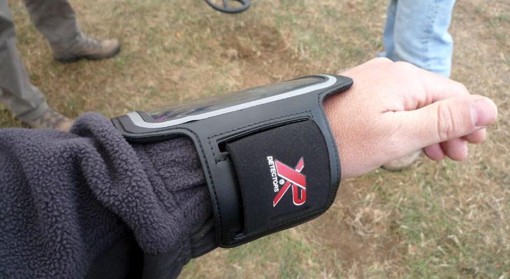 xp-deus-brassard-accessory-05