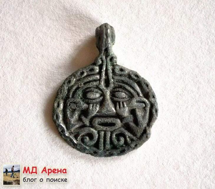 klad-vikingov-kak-arxeologi-vynimayut-naxodki-celymi-10